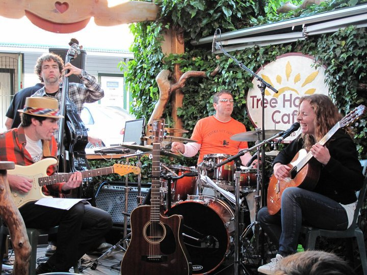 Live Music at Tree House Cafe, Ganges, Salt Spring Island, British Columbia
