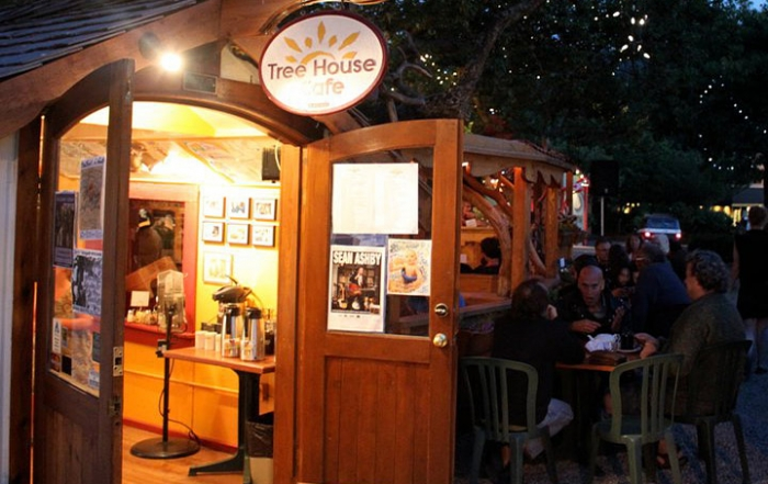 Live Music at Tree House Cafe in Ganges